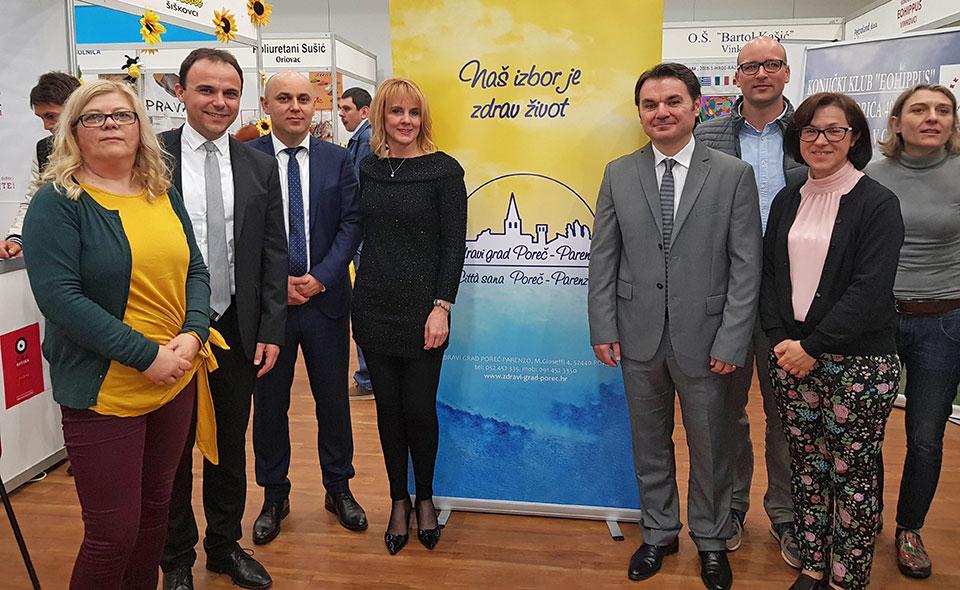 23. sajam zdravlja u Vinkovcima - porečki tim s gradonačelnikom Vinkovaca